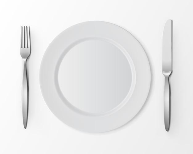 Piatto rotondo piatto vuoto bianco di vettore con forchetta e coltello