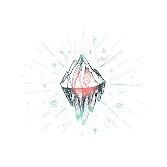 Picco dell'iceberg di montagna