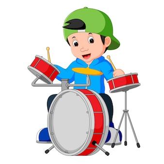 Piccolo cartone animato batterista