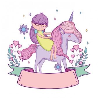 Piccolo unicorno e principessa con fiori di ghirlanda