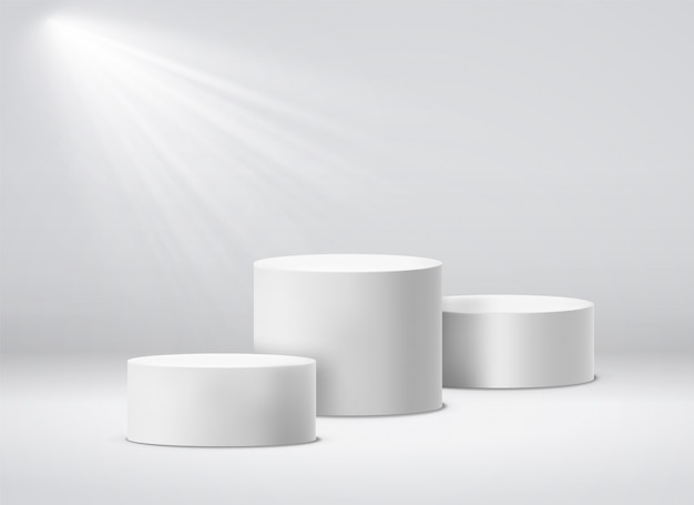 Piedistallo dei vincitori. podio bianco dello studio geometrico 3d con i riflettori. illustrazione isolata piedistalli vuoti