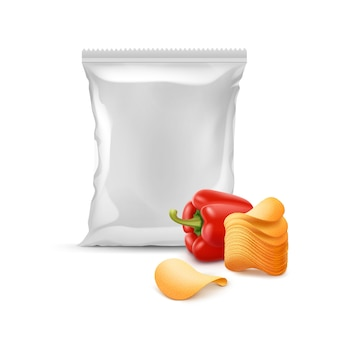 Pila di vettore di patatine fritte croccanti con paprika e foglio di plastica vuoto sigillato verticale