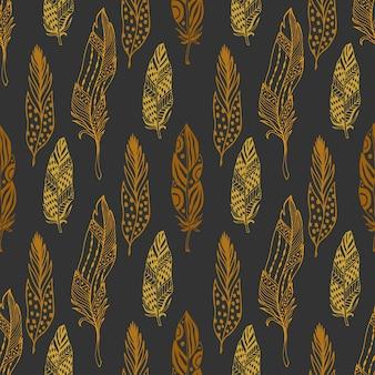 Piume senza soluzione di continuità in stile etnico. disegnato a mano zentangle doodle ornamento modello con piuma d'oro vettore