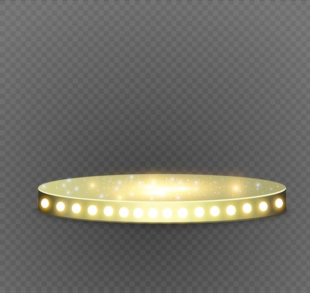 Podio d'oro su uno sfondo trasparente. il podio dei vincitori con luci intense. spotlight. illuminazione. illustration.attention.