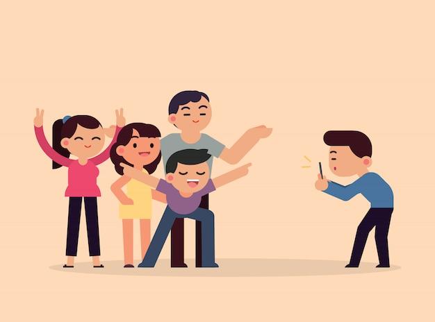 Presa degli amici sorridenti felici della foto con lo smartphone, giovani divertendosi concetto, illustrazione piana di vettore.