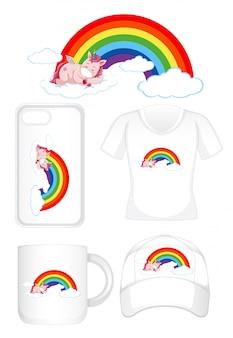 Progettazione grafica su diversi prodotti con unicorno su arcobaleno