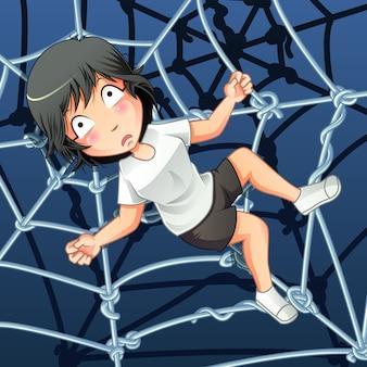 Qualcuno è intrappolato con una rete di ragni.