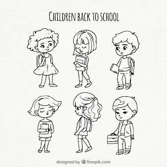 Raccolta di bambini che ritornano a scuola