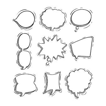Raccolta di bolle di chat con doodle o stile disegnato a mano