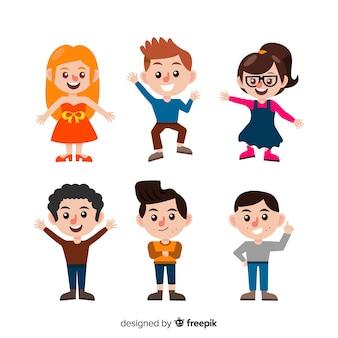 Raccolta di caratteri di bambini felici in design piatto