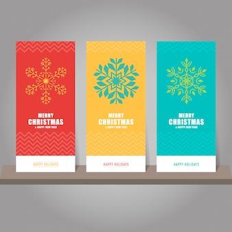 Raccolta di carta regalo di natale e capodanno, tag. modelli di carta con simboli di fiocchi di neve.