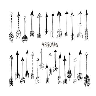 Raccolta di frecce disegnate a mano.