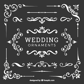 Raccolta di ornamenti di nozze in design piatto