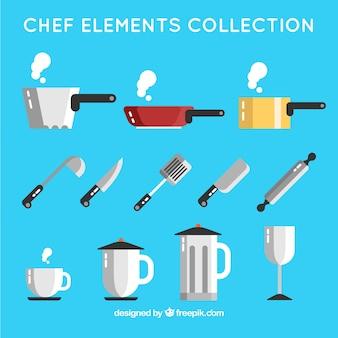 Raccolta di padelle e di altri elementi da cucina