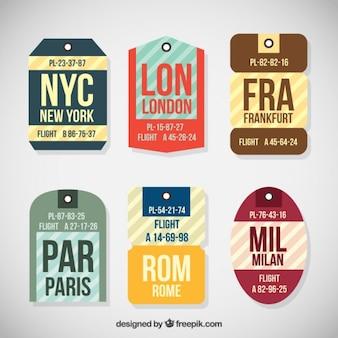 Raccolta di tag viaggio in diverse forme