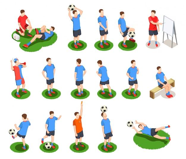 Raccolta isometrica delle icone della gente di calcio di calcio con i caratteri umani isolati dei giocatori in uniforme con la palla