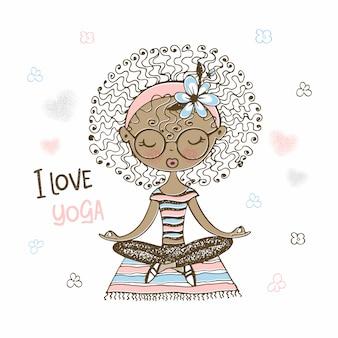 Ragazza carina dalla pelle scura che si siede nella posizione del loto. adoro lo yoga.