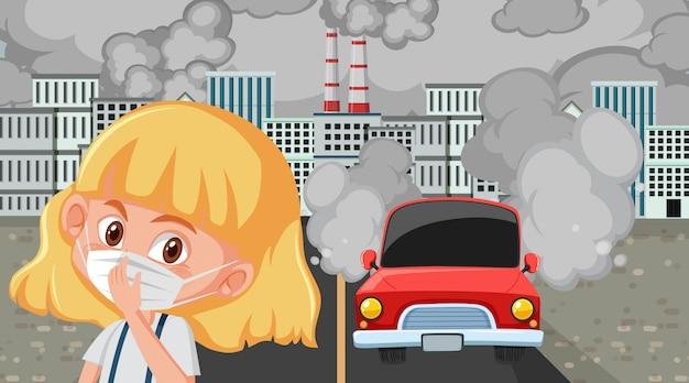 Ragazza che indossa una maschera in città con fabbriche e auto