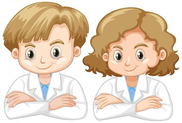 Ragazza e ragazzo in abito di scienza su bianco