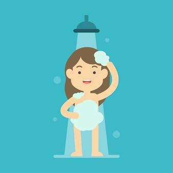 Ragazza felice che cattura acquazzone nel concetto del bagno