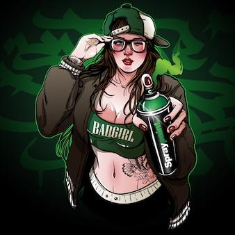 Ragazza giovane hipster in possesso di una vernice spray