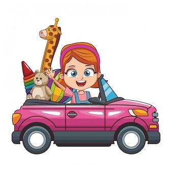 Ragazza sorridente che conduce automobile