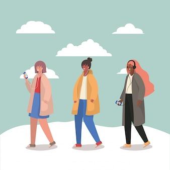 Ragazze con smartphone e nuvole