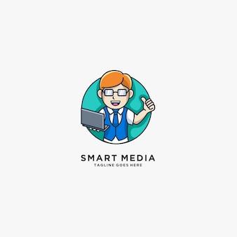 Ragazzo astuto di media con il logo dell'illustrazione della mascotte del computer portatile.