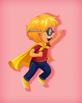 Ragazzo che indossa il supereroe con stranglehold nel ritratto del personaggio dei cartoni animati di posizione eretta isolato
