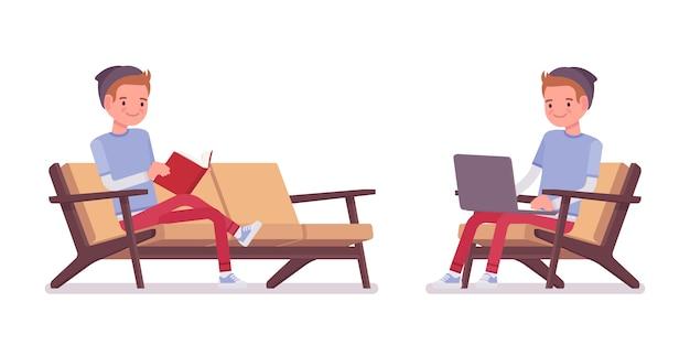 Ragazzo dell'adolescente nella posa seduta