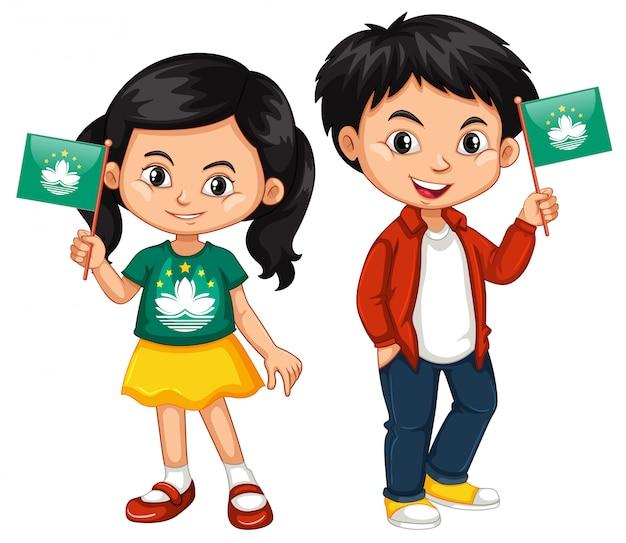 Ragazzo e ragazza che tengono la bandiera di macao