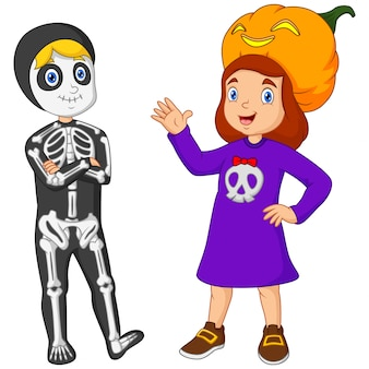 Ragazzo e ragazza del fumetto in costume helloween