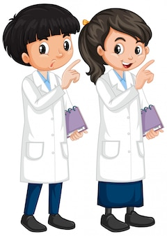 Ragazzo e ragazza in abito di scienza che sta sul bianco
