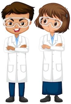 Ragazzo e ragazza nella condizione dell'abito di scienza isolato