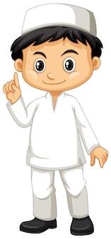 Ragazzo indonesiano in abito bianco