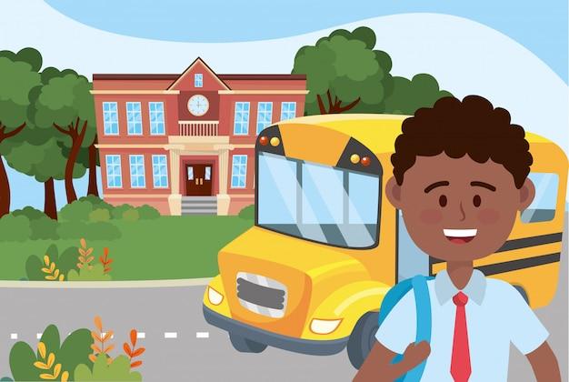 Ragazzo ragazzo e scuola di autobus