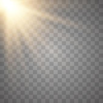 Raggi del sole su sfondo trasparente. raggi di sole