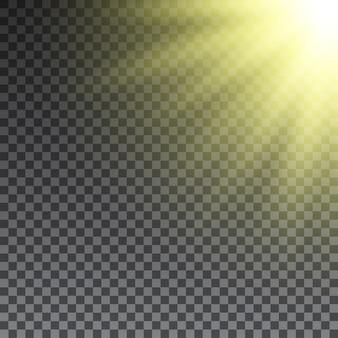 Raggi di sole giallo su sfondo trasparente. .