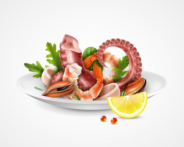 Realistico piatto da cocktail di frutti di mare
