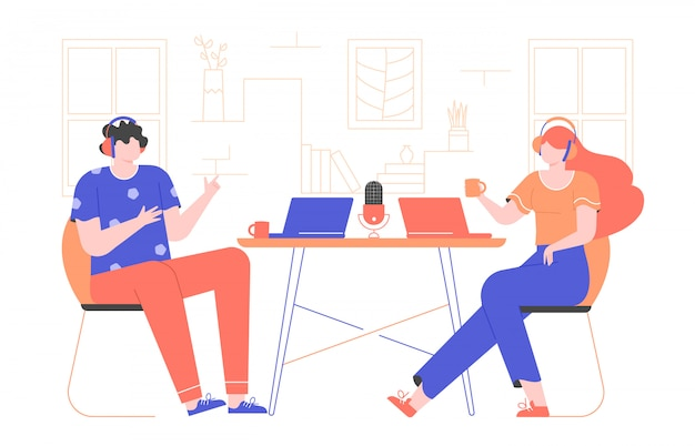 Registra un podcast o un webinar tutorial. intervista online. il ragazzo e la ragazza stanno indossando le cuffie, i laptop sono sul tavolo. illustrazione piatta con personaggi brillanti.
