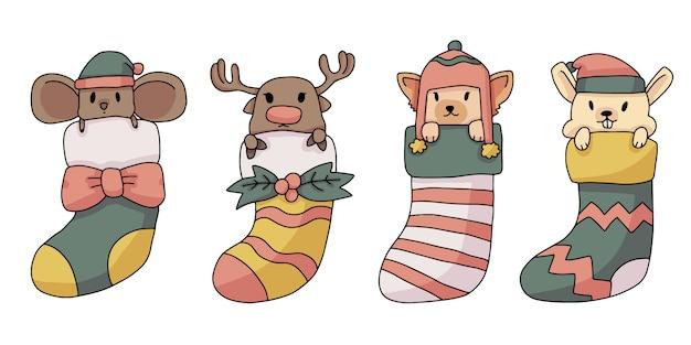 Renna di natale, ratto, gatto e coniglietto dentro calzini illustrazione carino