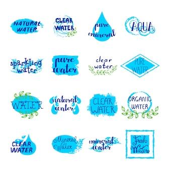 Retro insieme di etichette dell'acqua degli elementi e dei segni blu dell'acqua su fondo bianco