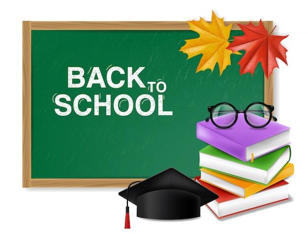 Ritorno a scuola sulla lavagna verde e pila di libri