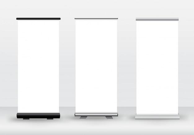Roll-up in bianco o x-banner su bianco. insegne pubblicitarie, prodotti dell'azienda.