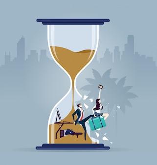 Rompere la pressione del tempo. uomo d'affari in fretta rompendo un orologio di sabbia. vettore di concetto di affari