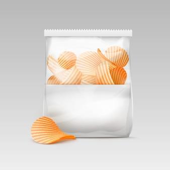 Sacchetto di plastica trasparente sigillato bianco con patatine