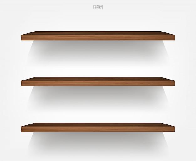 Scaffale di legno vuoto su fondo bianco con ombra molle.