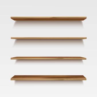 Scaffali di legno di legno vuoti sullo sfondo della parete