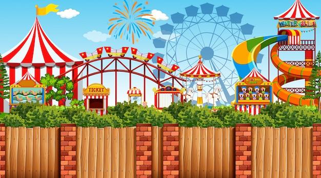 Scena all'aperto con parco divertimenti