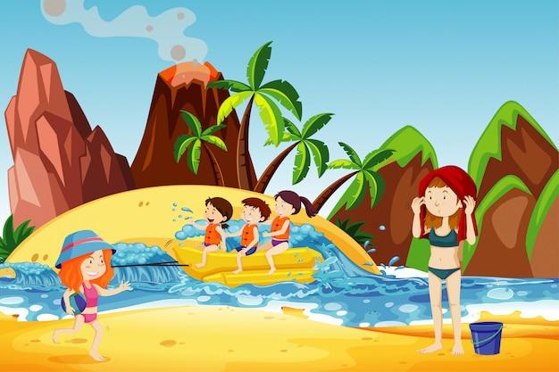 Scena dell'oceano con bambini felici che giocano sul gommone